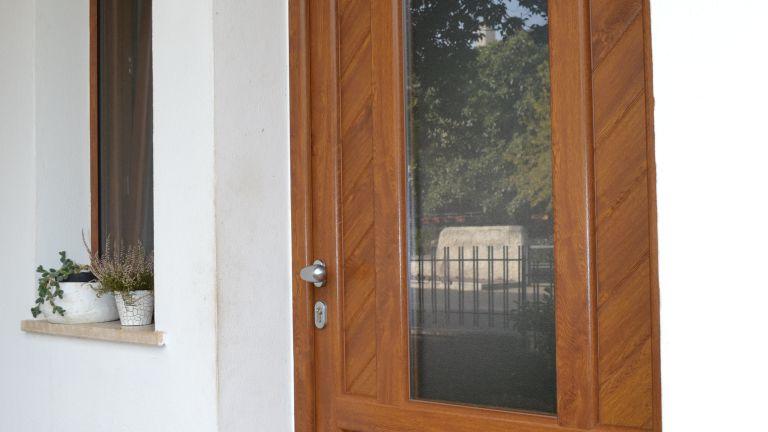 Centro infissi follonica vendita finestre e infissi pvc for Vendita finestre pvc